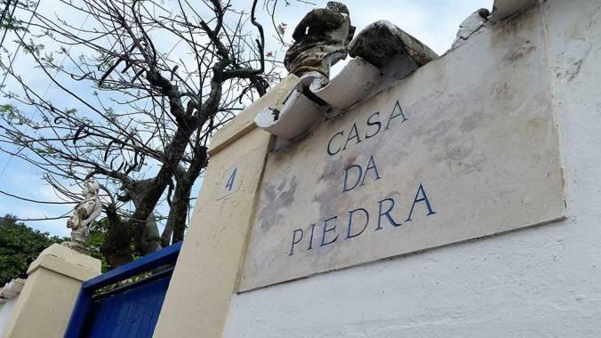 Arraial-do-Cabo-Casa-de-Piedra-Praia-dos-Anjos-foca-na-folga